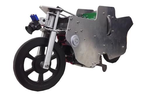 自平衡摩托车